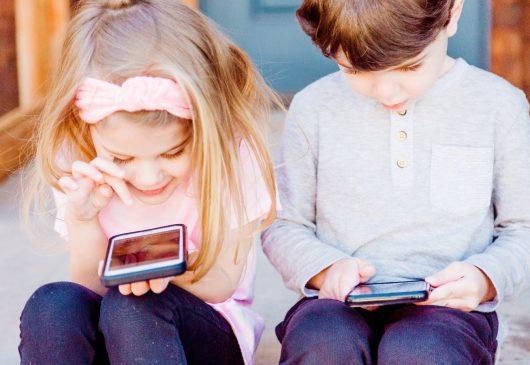10 motivos para prohibir los smartphone a los niños